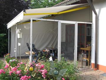 netz f r balkon h ngematte auf dem balkon urlaub zu hause. Black Bedroom Furniture Sets. Home Design Ideas